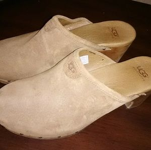 Tan suede ugg mules size 6